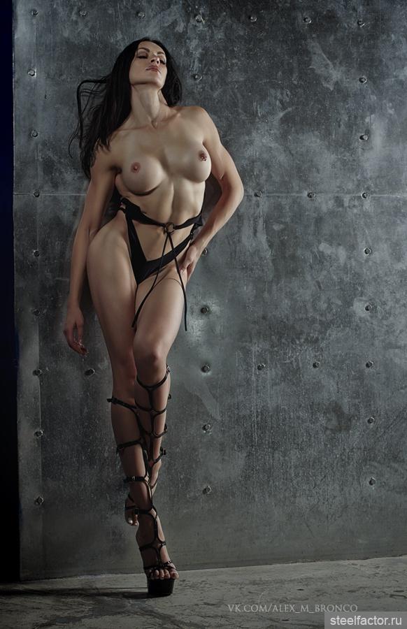 голая дерзкая девушка мишка пропитая