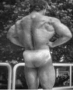 Arnold schwarzenegger naked in the shower 6